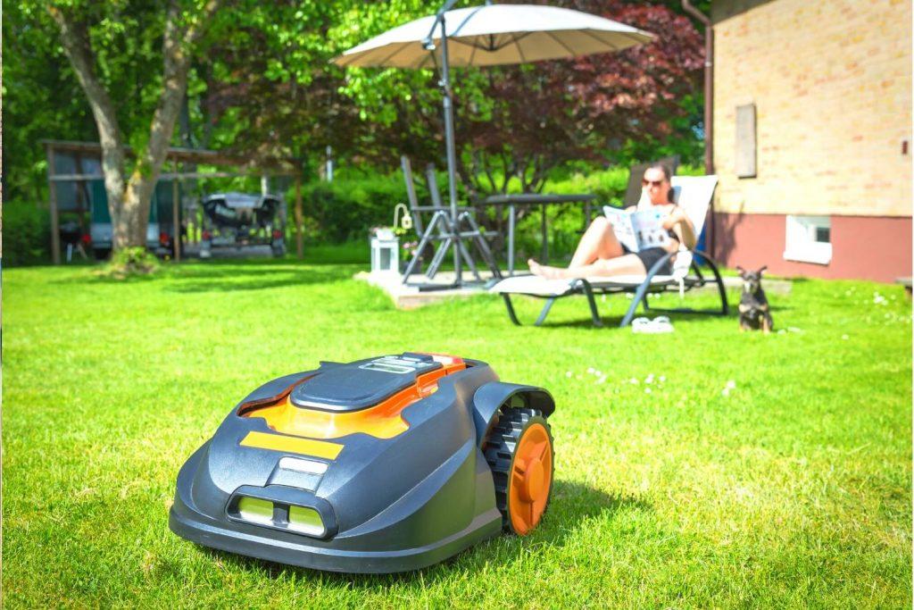 Best Robotic Lawnmowers UK