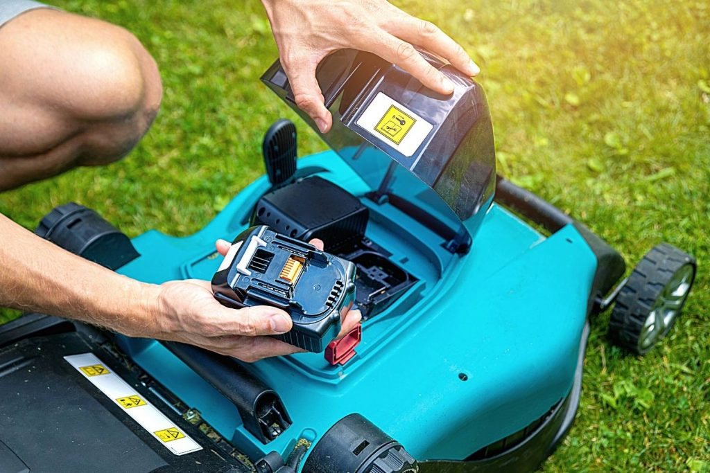 Best Cordless Lawn Mower UK