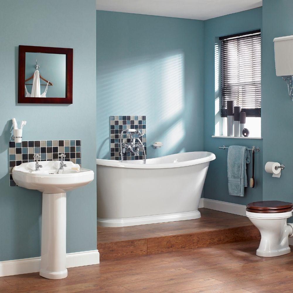 Traditional Bathroom With Oceana Walls
