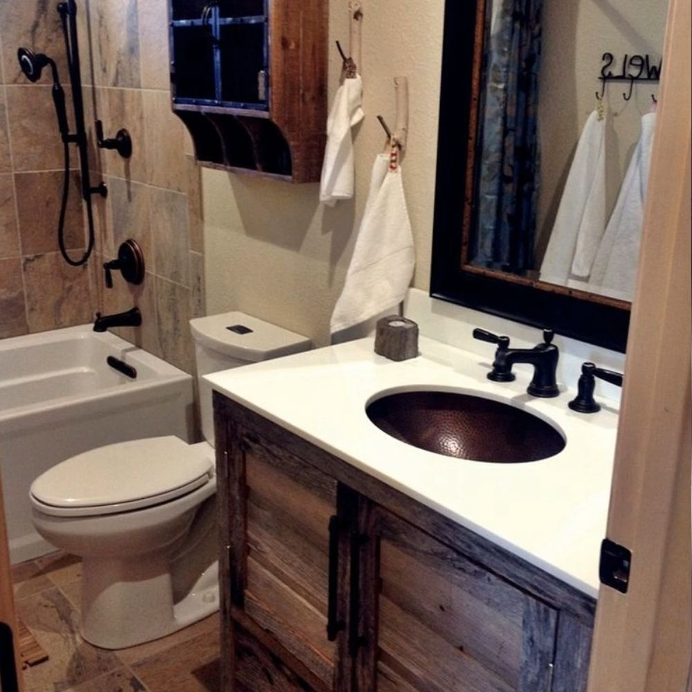 Compact Country Style Bathroom With Wood Details