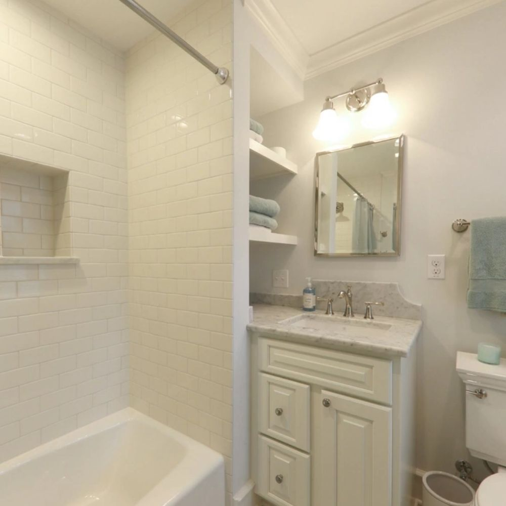 Compact White Traditional Bathroom