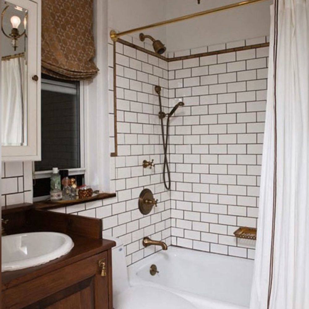 Traditional Bathroom With Brown And Copper Accents