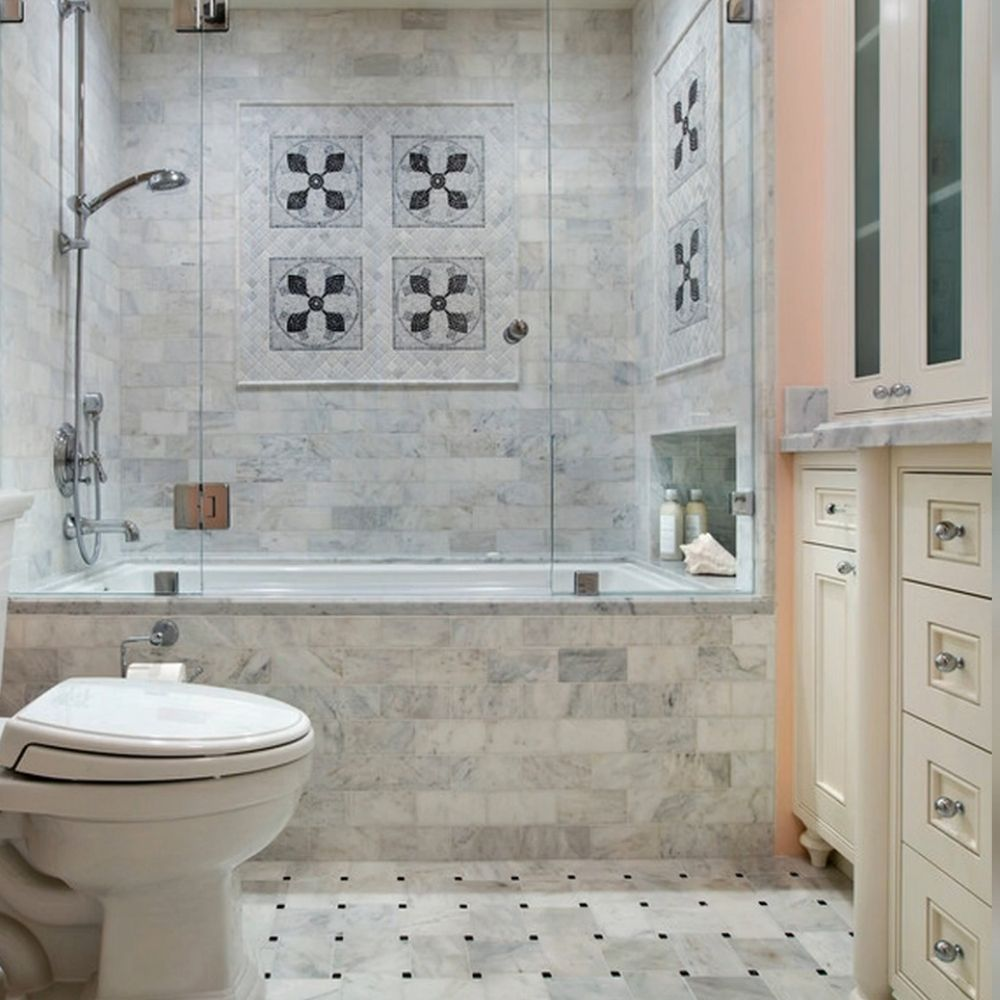 Traditional Bathroom With Elegant Wall And Floor Design