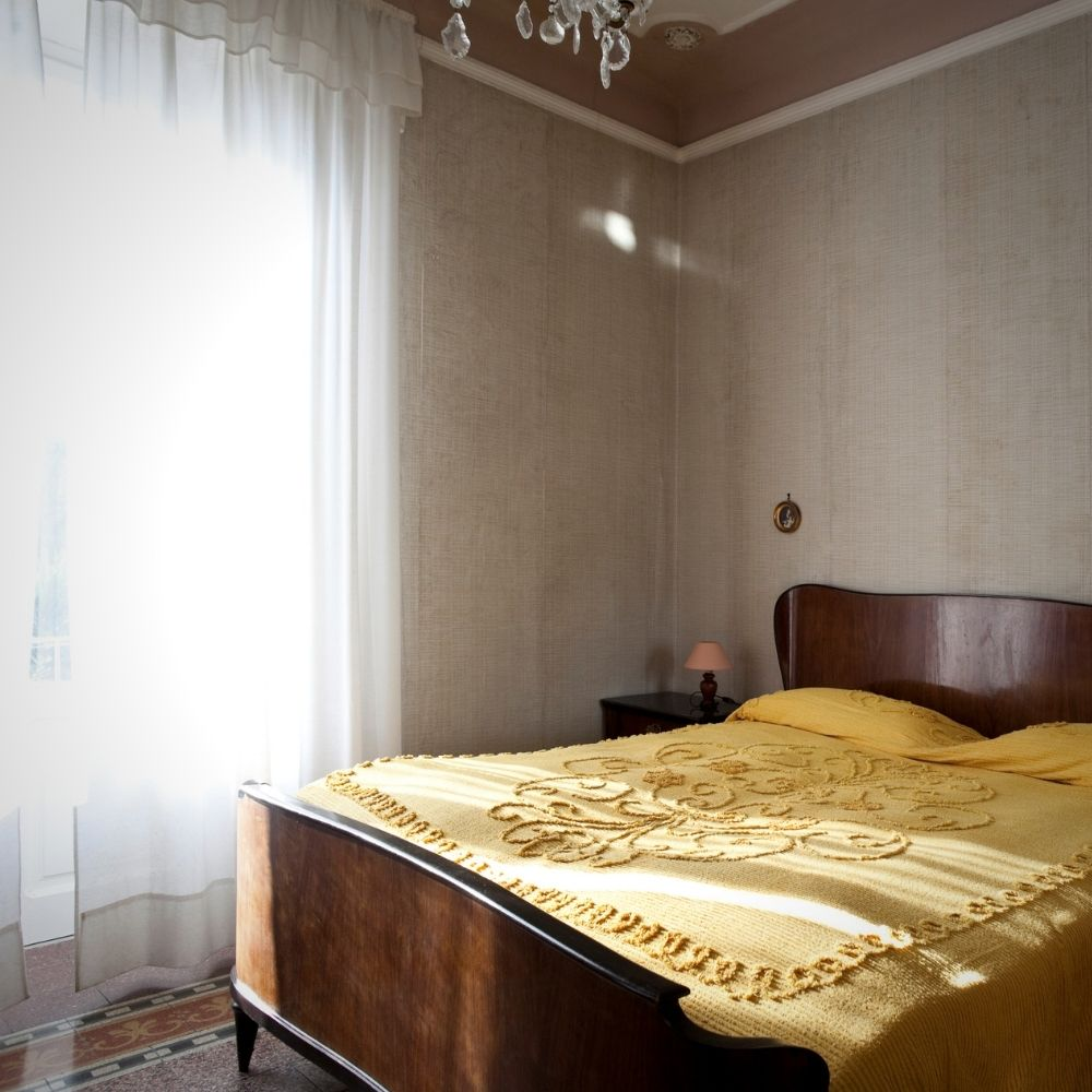 Traditional Rustic White Bedroom With Floating Curtains