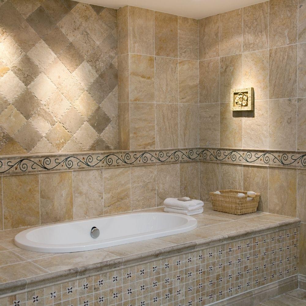 Warm Ceramic Tile Traditional Bathroom Design